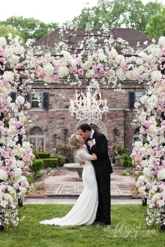 Jaw-Dropping Gorgeous Wedding Flower Ideas
